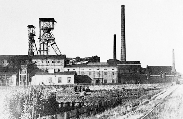 7-Zeche-Massener-Tiefbau-1-2-um-1920-StA-UN
